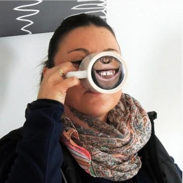 Taza imprimible con diseño animal en la base
